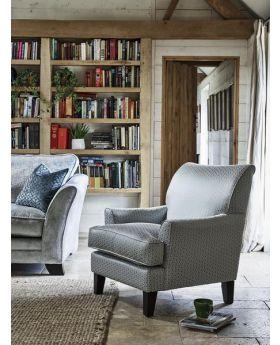 Ashley Manor Hetty Accent Chair
