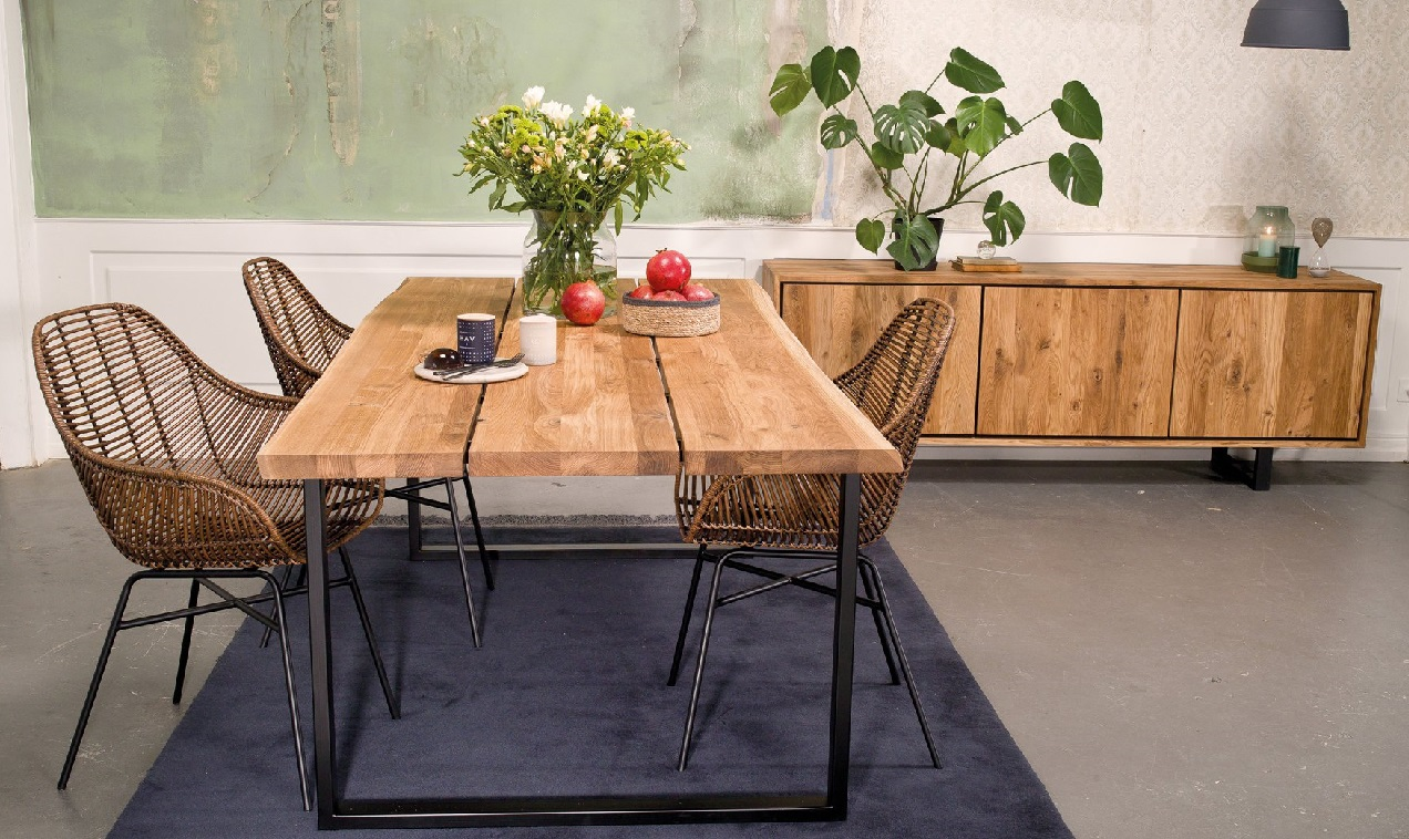 Kristensen & Kristensen bespoke dining table