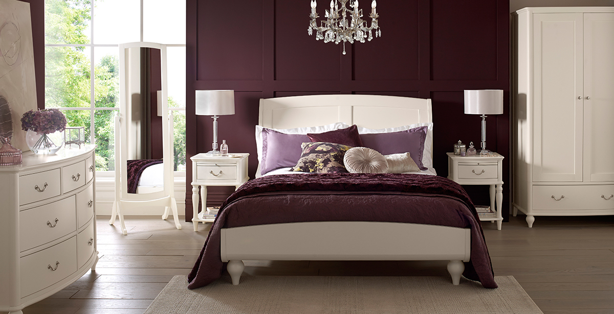 Bentley designs bordeaux ivory bedroom furniture michael for Bentley designs bedroom furniture