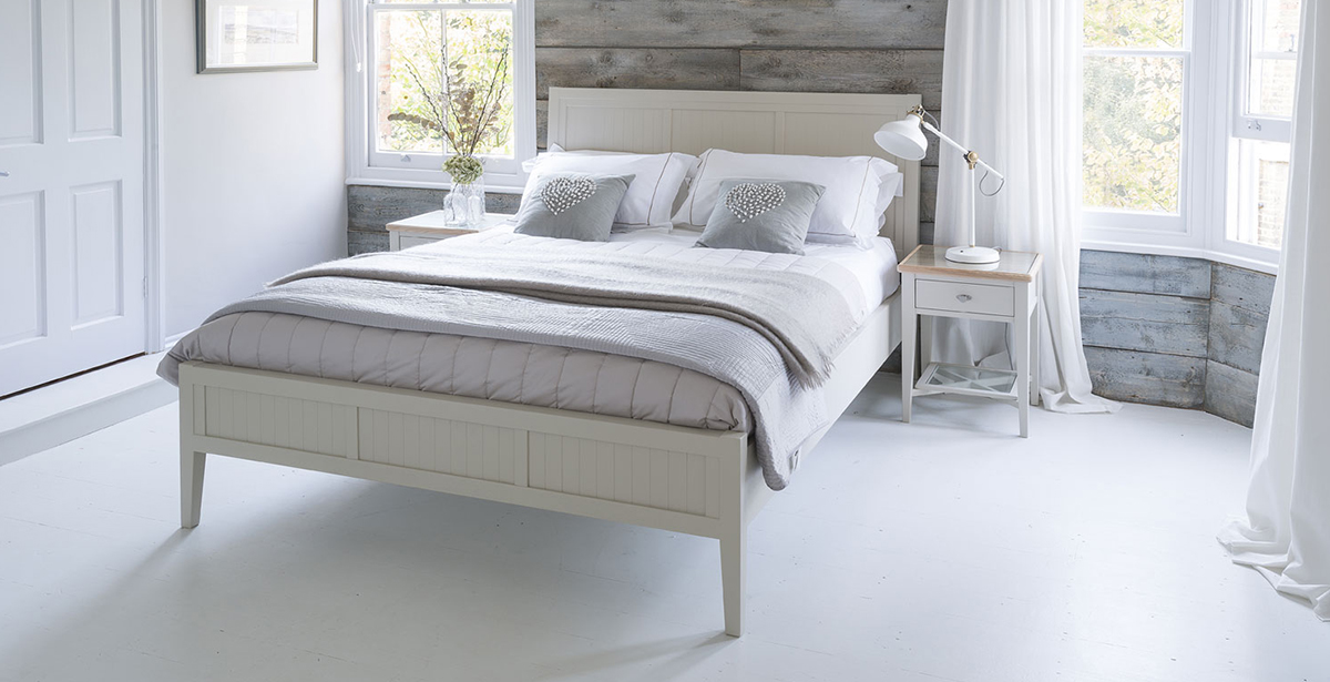 willis and gambier coast dining and bedroom furniture